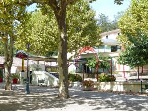 Casino des fumades location appartement l amandeline
