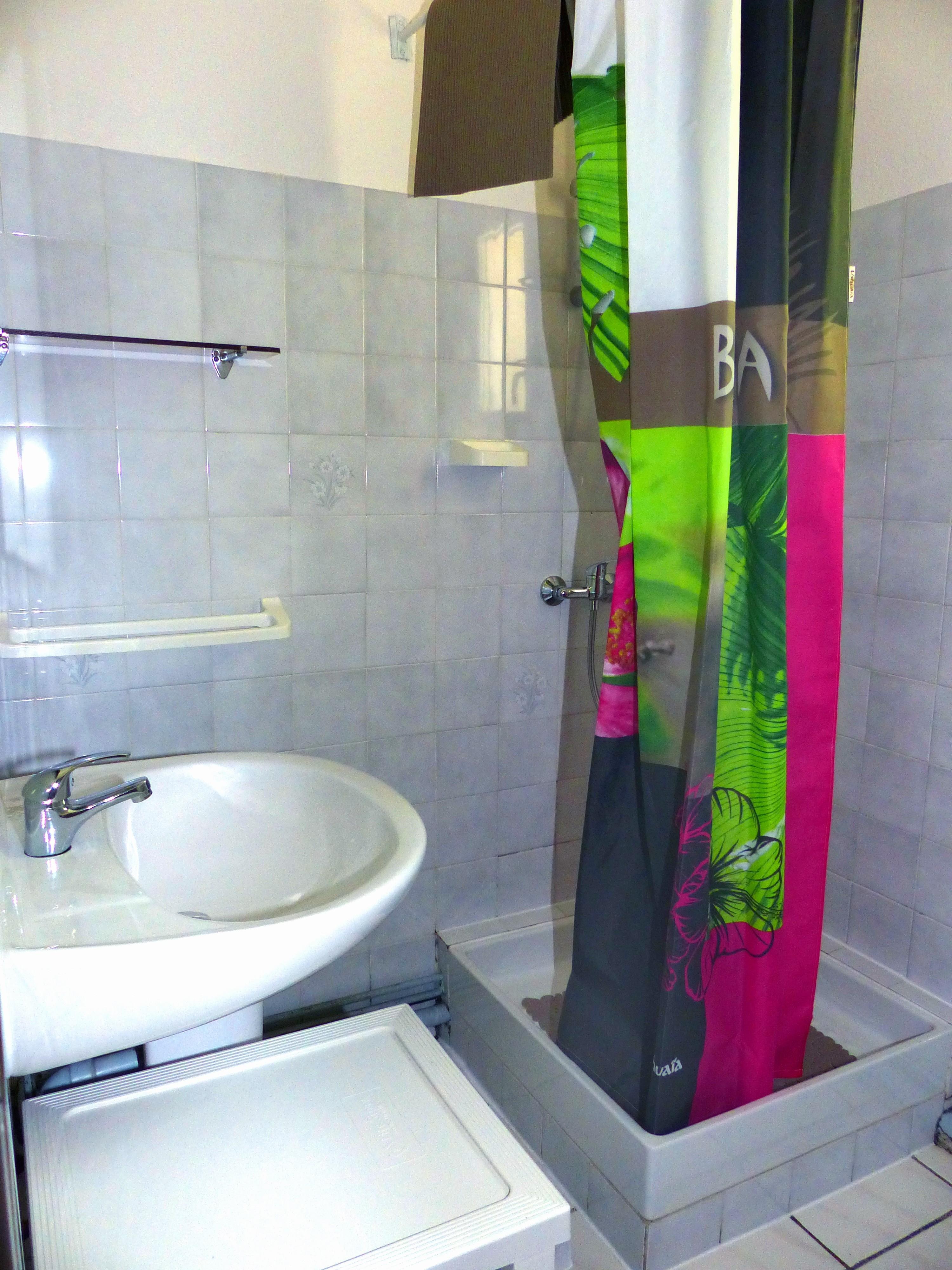 Salle de bain Appart n°6 - 2 chambres au 1er étage